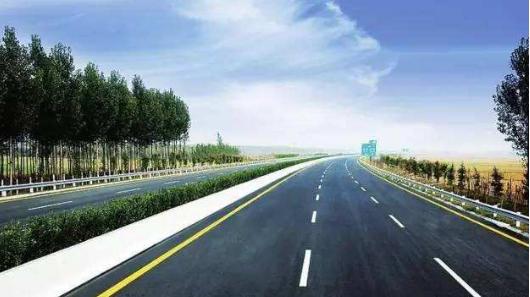 安庆三条道路实现绿波通行 主次干道通行效率提升