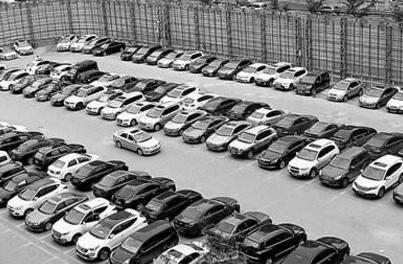 兰州首现共享停车场 扫码即可进场