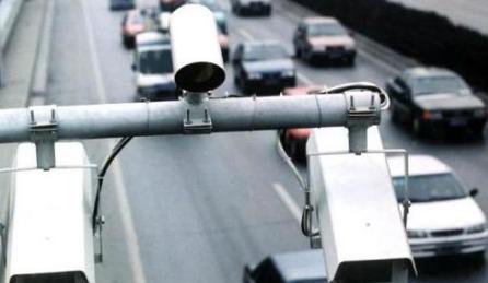 北京今年将增设交通执法电子设备 严惩闯禁行