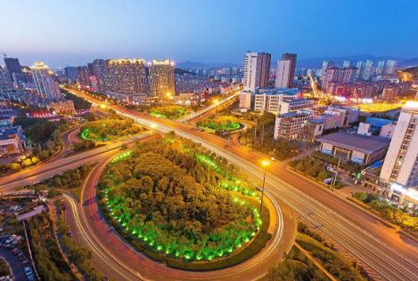 青岛全方位系统治堵助力城市交通提速