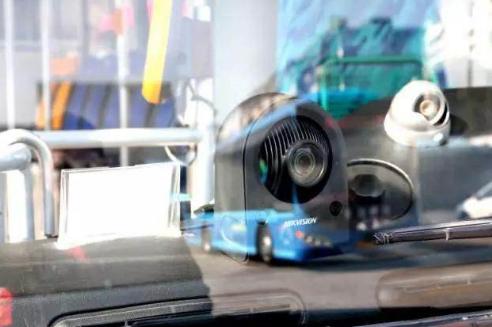 """台州市区公交车启用""""车载电子抓拍设备"""""""